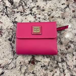 NEW Dooney and Bourke pink leather small wallet